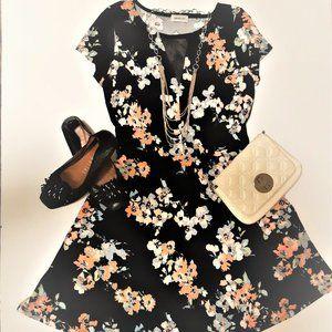 🛍️3/$25 Floral Dress Mesh Details